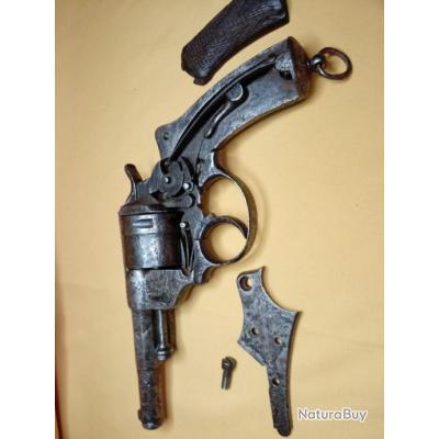 Revolver  Saint Etienne 1873 à restaurer .