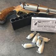 Boite range barillet protège cheminée Remington 1858 calibre 36 poudre noire