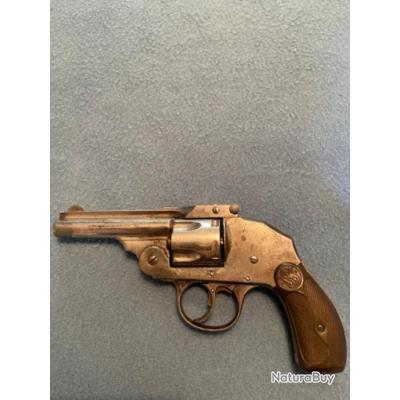 Revolver Iver Johnson hammerless top break calibre 38 S&W