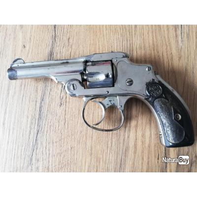 Smith & Wesson calibre 32 court