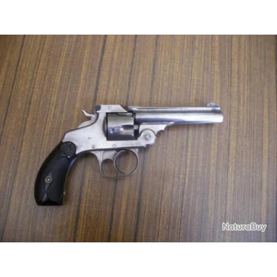 Revolver SMITH & WESSON - calibre 32 S&W Short ,en très bel état
