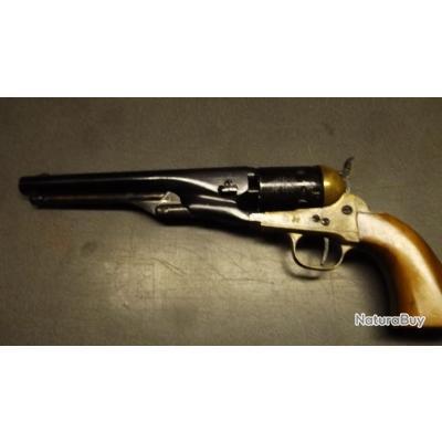 revolver poudre noire hégé