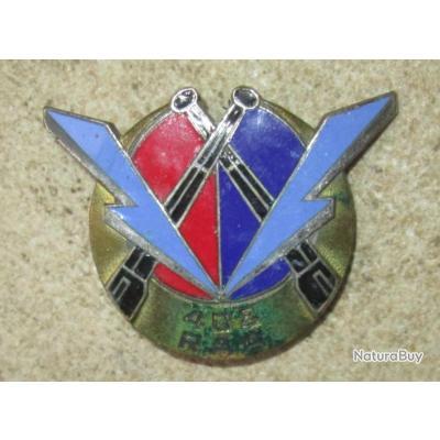 408° R.A.A, émail, dos guilloché argenté, 2 anneaux