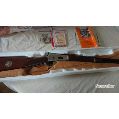 vends winchester 94 commemorative John Wayne calibre 32 40