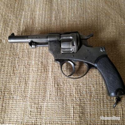 Tres beaux et homogène Revolver 1874 reglementaire d'officier.