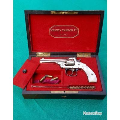 REVOLVER SMITH & WESSON model 4 calibre 32  , baby russian dans son coffret d'origine pas 44 RUSSIAN