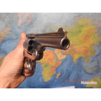 Revolver Harrington & Richardson 6 coups en 32 S&W long