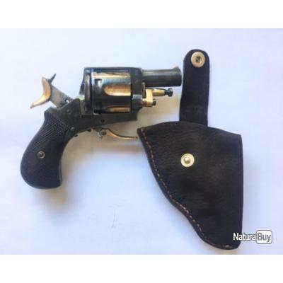 Joli revolver bulldog cal. 320 avec son étui en cuir véritable, très bon fonctionnement DA-SA