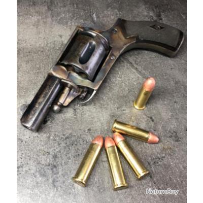 Magnifique petit revolver cal. 8mm92 Encore jaspé! Mécanique excellente!