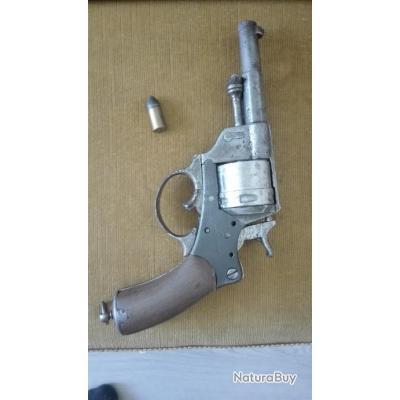 Revolver 1873 a révisé