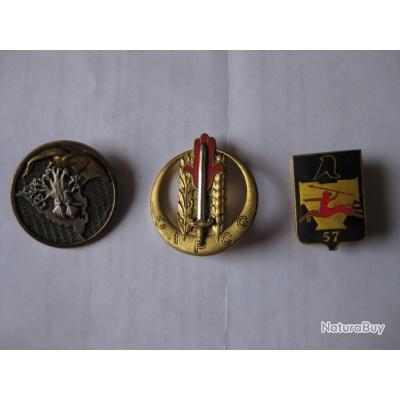 Ensemble de 3 insignes régimentaires