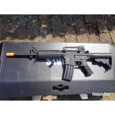 Airsoft Réplique Fusil d'Assault Colt M4A1 Electrique Noir Métal 1 Chargeur 300 livré sans Batterie