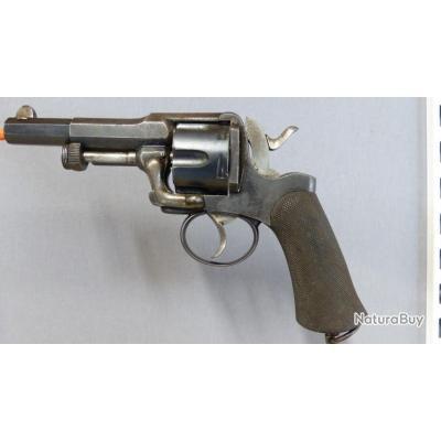 // Cat D // Revolver Fagnus Maquaire ; 11 mm 73  (1€ sans réserve)