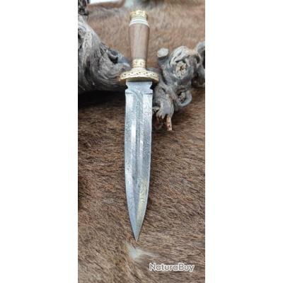 Magnifique dague Unique lame DAMAS, Manche en bois et os  travail Artisanal, garde Laiton RITE Edge