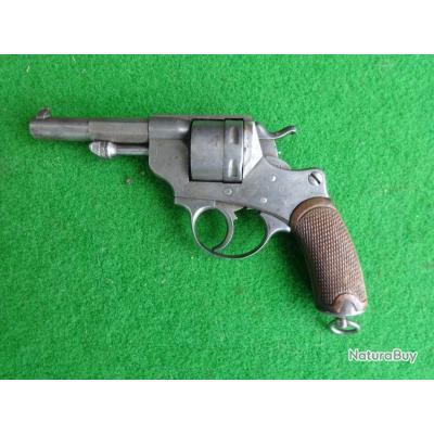 Revolver Modèle 1873 fabrication St Etienne 1879 en état d'origine jamais nettoyé.