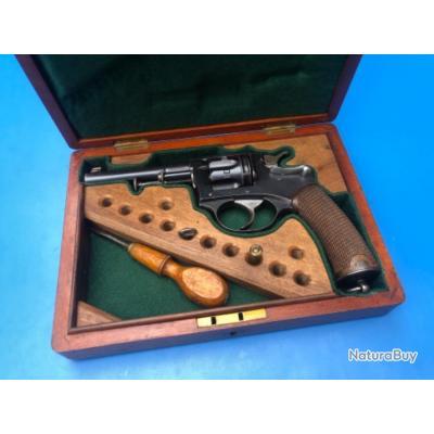 Revolver modèle 1887 civil a clé
