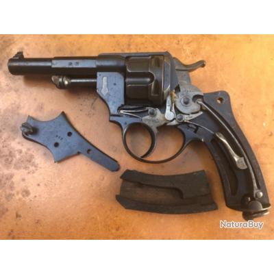 Lot de revolver Français Saint Étienne dont 1874 marine