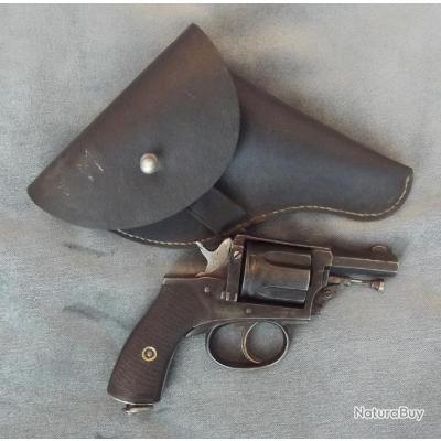 Peu courrant revolver l'agent manufacture d'Armes & Cycles de St Etienne cal 8mm/92