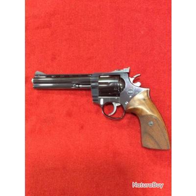 BAISSE DU PRIX !!!!Revolver KORTH sport  6'' cal 357mag + malette