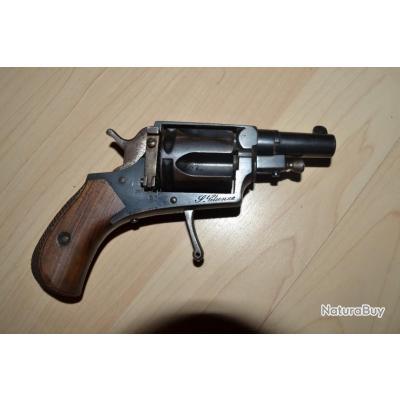 Revolver cal 8MM Manufacture de St Etienne belle qualité détente rentrante canon miroir pas de jeu